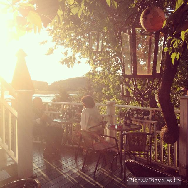 Auberge du Mange-Grenouille: la terrasse