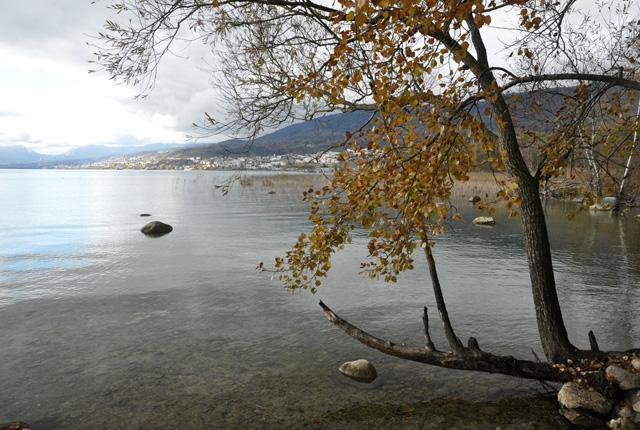 Le Lac de Neuchatel