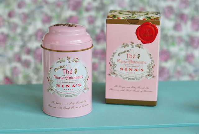 Thé de Marie-Antoinette, Nina's