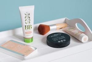 Fonds de teint bio: avis sur plusieurs produits de maquillage naturel sur Birds & Bicycles