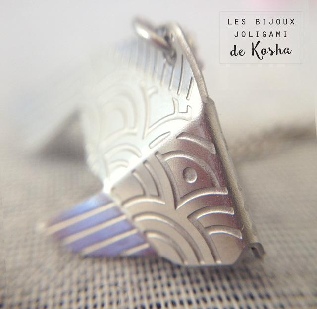 Un bijou origami, plié avec patience à Lausanne par la marque Kosha...