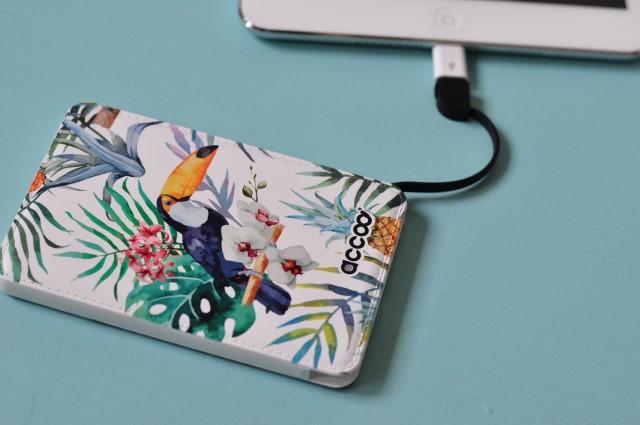 Accoo, une jolie batterie nomade pour recharger son téléphone ou sa tablette