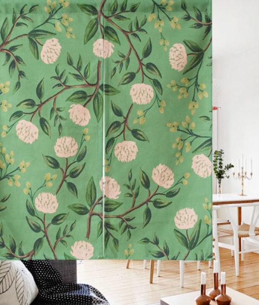 Tissu: Motifs de fleurs sur un rideau de porte