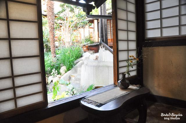 Une maison authentique à Kyoto se visite, celle d'un artiste céramiste. Info sur le blog voyage & lifestyle amoureux du Japon Birds & Bicycles