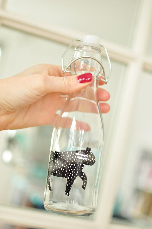 Jolie bouteille en verre Hema