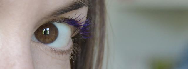 Blog girly: du mascara violet - Ajouter des couleurs sur mes yeux
