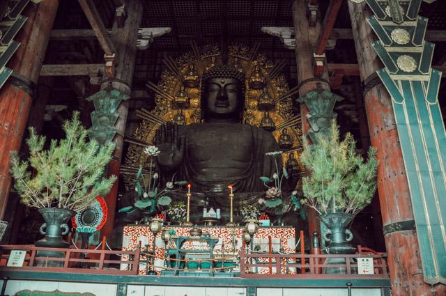 Bouddha dans les temples de Nara au Japon