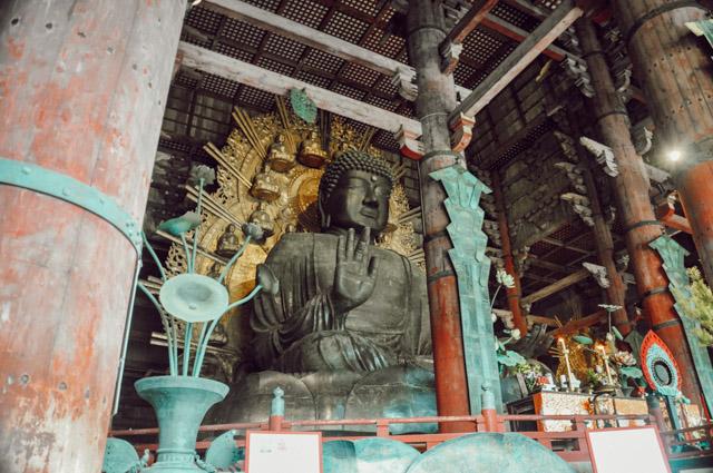 Bouddha dans les templesd de Nara au Japon