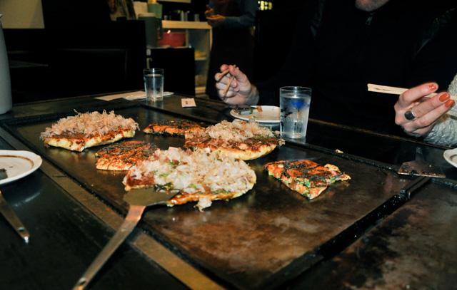 Okonomiyaki - crêpe japonaise goûtée à Nara