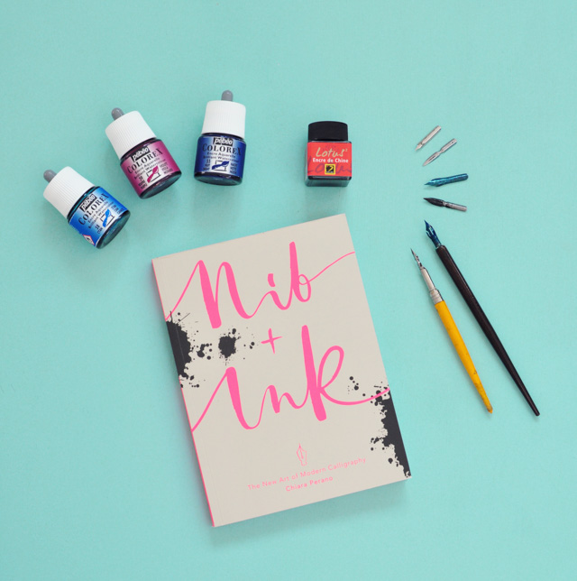 Apprendre le lettering à la plume: le joli livre Nib+Ink