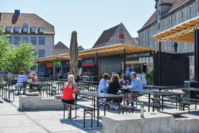 Où manger à Copenhague? Bon plan: les stands de street food en face de Nyhavn