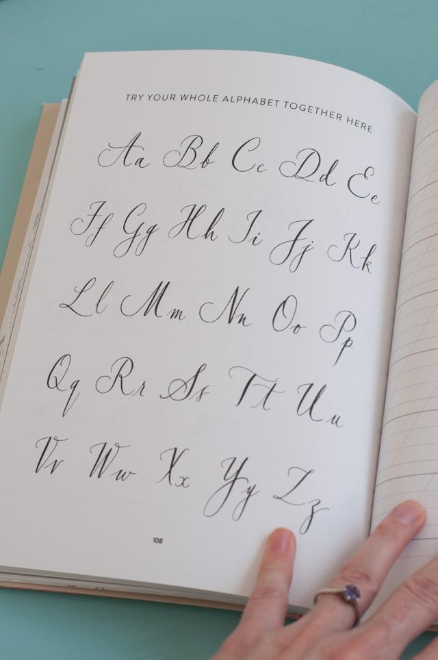 Favori, Nib & Ink: un livre pour apprendre la calligraphie à la plume