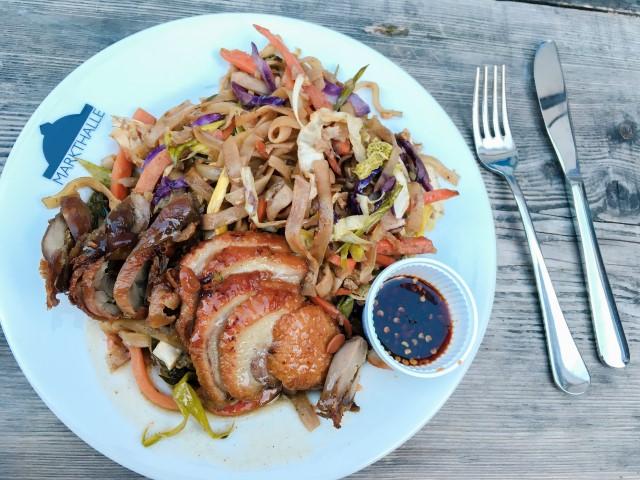 Les Markhalle, un incontournable à Bâle (Street food) Mon plat thaï