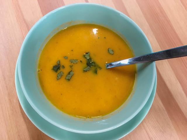 Où manger un morceau à petit prix à Bâle? Le Tigi Kaffee et ses soupes.