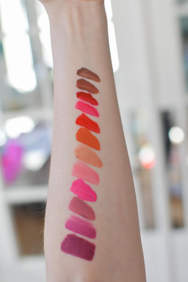 SWATCH - Favoris: Rouge Signature Encre à Lèvres Liquides mates de L'Oréal
