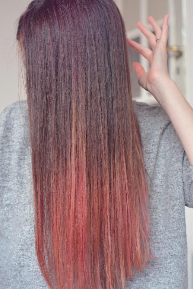 Mes cheveux avec une teinture rose ♡