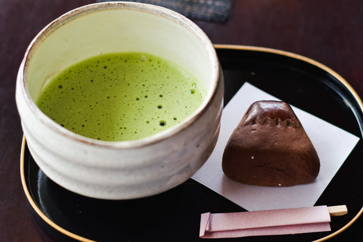 Thé matcha à l'Hôtel Fuji-san. Bonnes adresses à Kawaguchiko: ou dormir pour pas cher, ou boire un thé