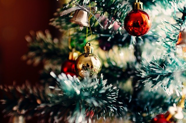 Sapin de Noël: artificiel, naturel ou à louer?