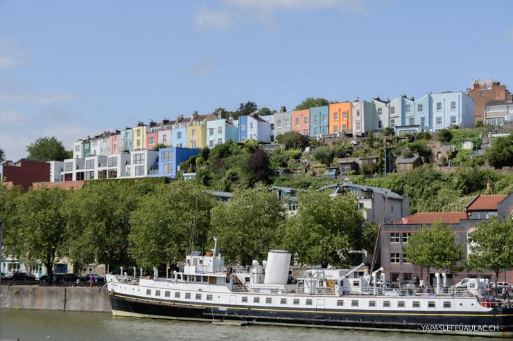 Maisons colorées à Bristol - vue depuis le port