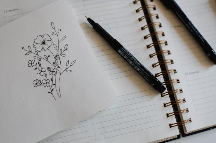 Apprendre à dessiner des doodles de fleurs avec des tutoriels en ligne
