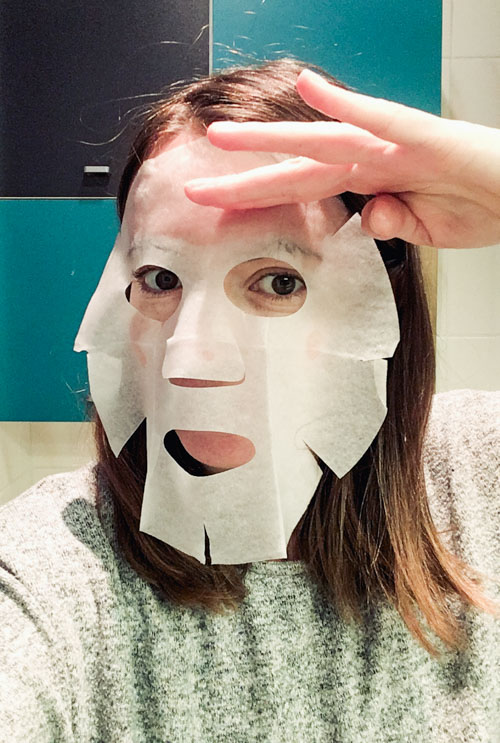 Essayer les masques en tissu coréens, c'est les adopter