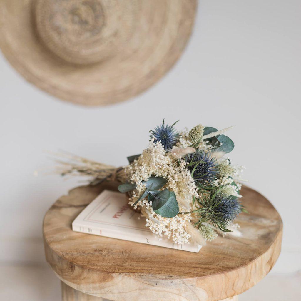 Le bouquet Gabriel, avec des fleurs séchées originaires d'Europe