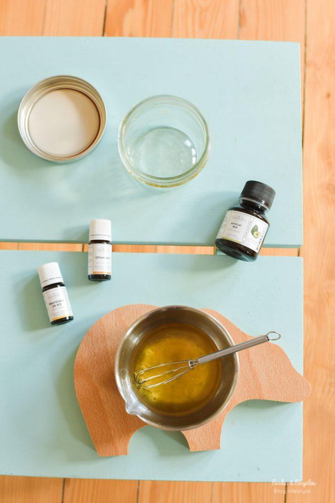 Do it yourself - cosmétiques un beurre pour le corps au karité et à l'huile d'avocat, à la texture riche