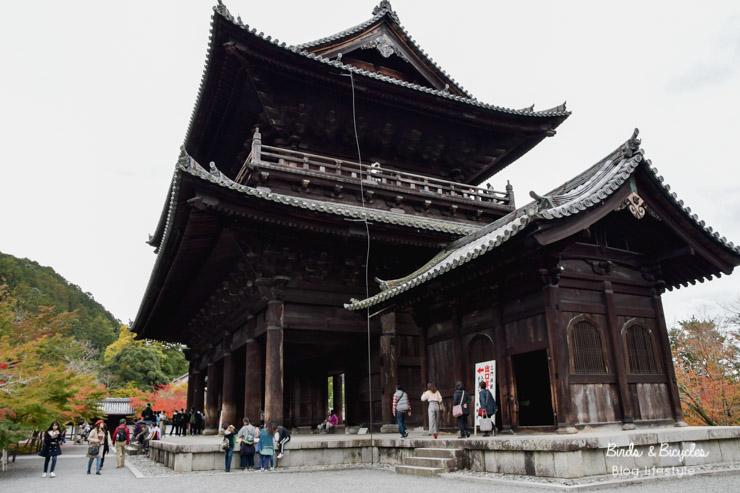 La grande porte San-Mon du temple Nanzen-ji à Kyoto - blog voyage au Japon