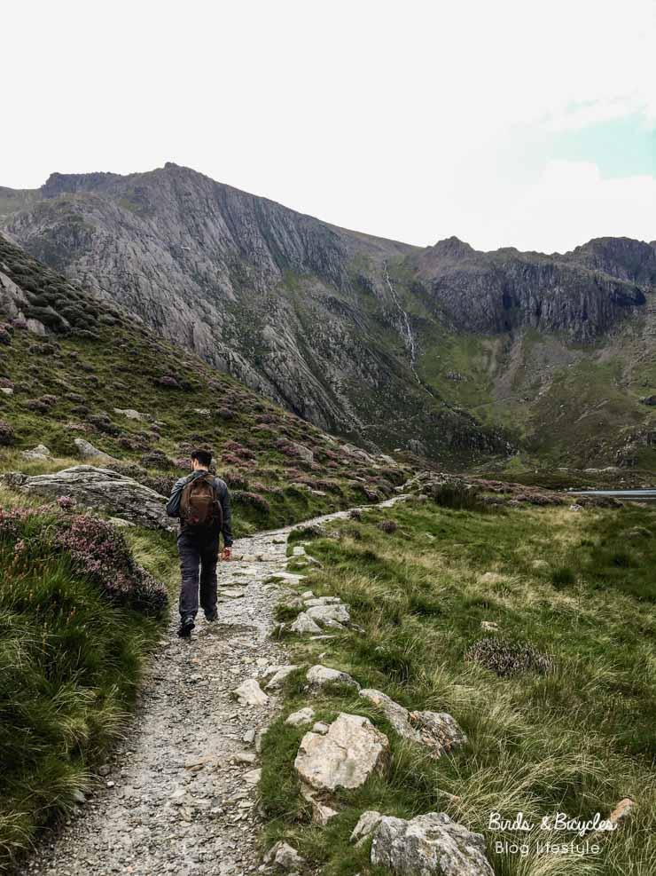 Randonner au Pays de Galles: Balade à Snowdonia: le tour du lac de montagne Llyn Idwal