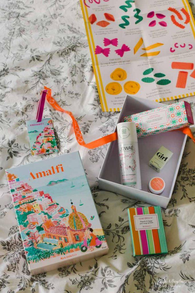 Unboxing My Little Box, une box lifestyle à l'univers très girly. Mon avis sur le blog
