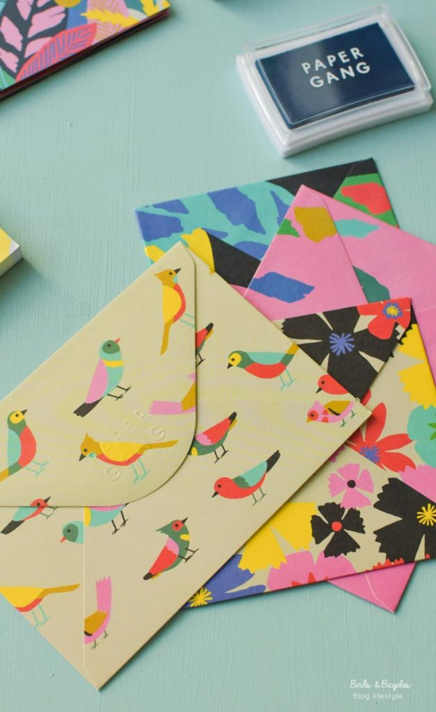 Des enveloppes pleines d'oiseaux - birds & biycles - jolies papeterie