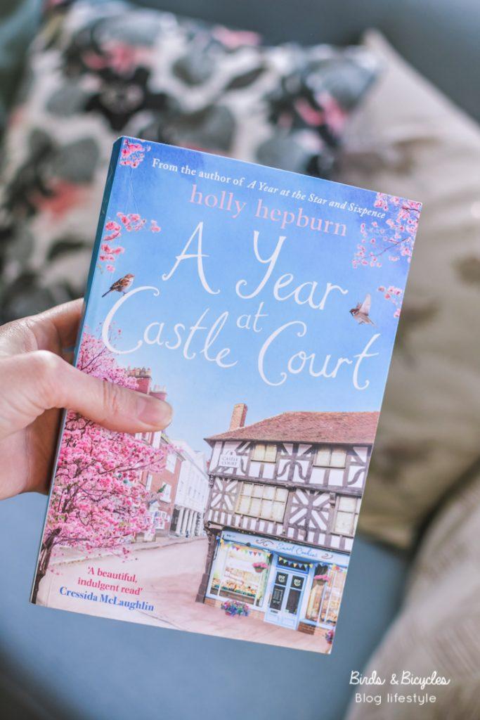 Avis: les nuits enneigées de Castle Court Holly Hepburn / A year at castle court / Idées de romans de chick-litt à lire sur le blog