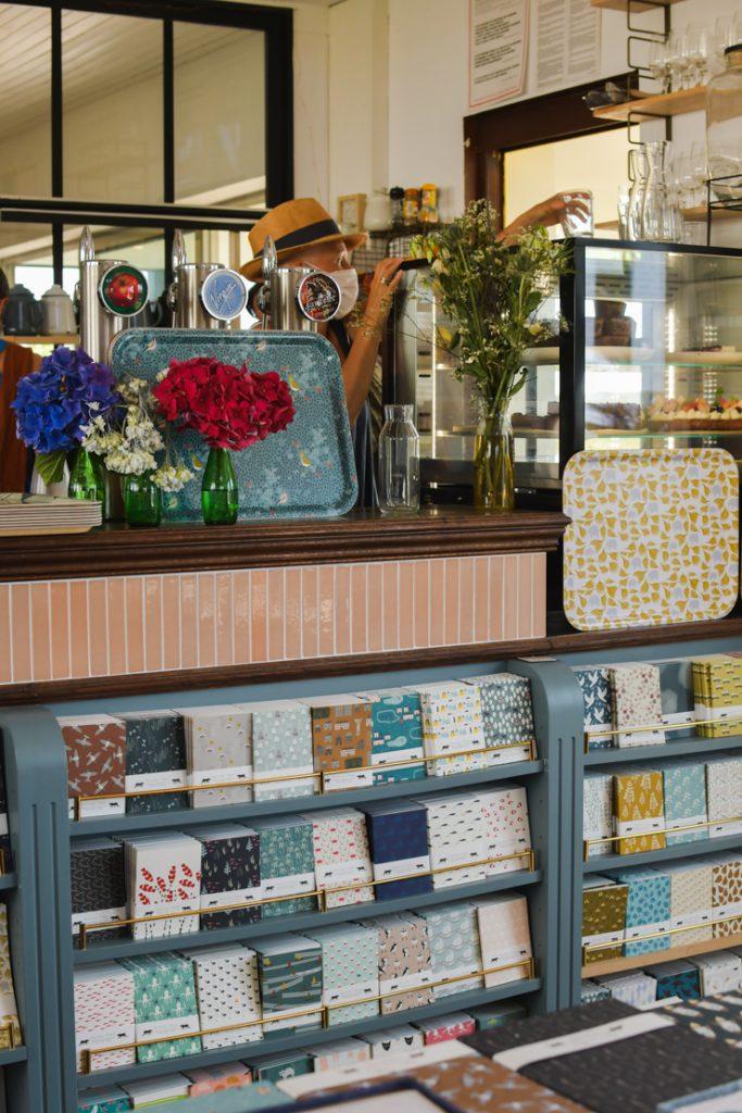 Chez Monsieur Papier en Bretagne - café libriairie